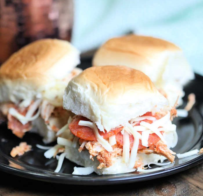 Instant pot Pepperoni Pulled Chicken Sliders
