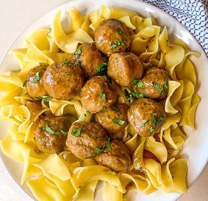Instant Pot Meatballs with Gravy