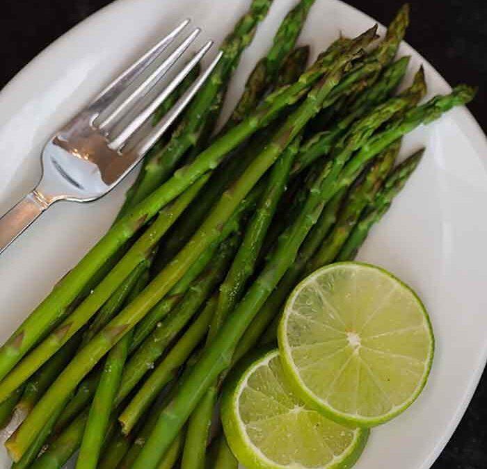 Garlic Lime Steamed Asparagus